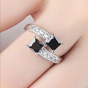 💍CUTE BLACK WOMEN RING
